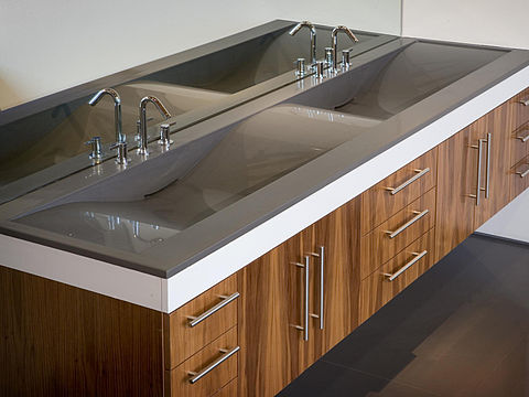Thermoformbarer Caesarstone Quarz im Bad